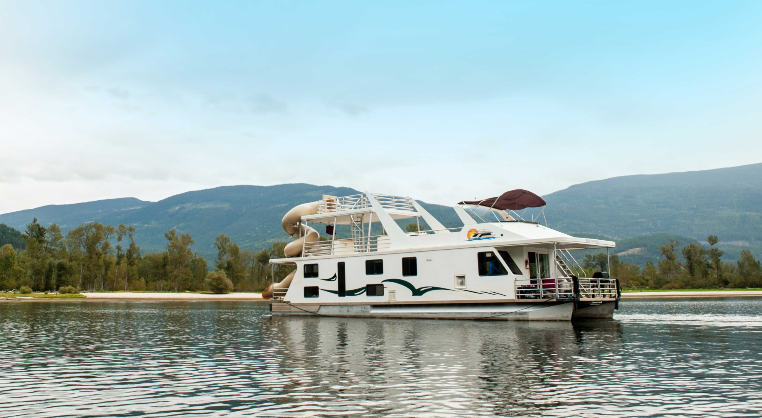 Twin Anchors Genesis 60 Houseboat